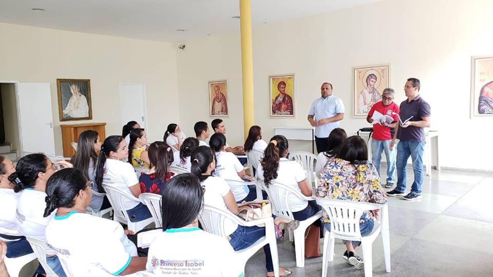 PREFEITO RICARDO PEREIRA SE REÚNE COM ACS's E É CUMPRIMENTADO PELA IMEDIATA IMPLANTAÇÃO DO PISO NACIONAL DA CATEGORIA