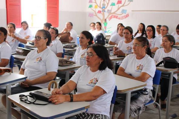 MERENDEIRAS DA REDE MUNICIPAL DE EDUCAÇÃO PARTICIPAM DE FORMAÇÃO REALIZADA PELA PREFEITURA