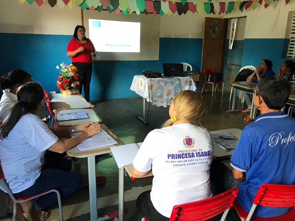 SECRETÁRIA DE EDUCAÇÃO ENCERRA MAIS UM CICLO DE VISITAS TÉCNICAS AS ESCOLAS DA ZONA RURAL